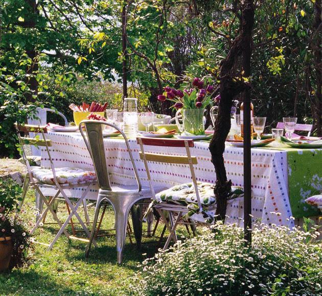 House & Garden Mag 4_brandenborgfarm_outsidegarden