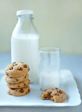 cookiesandmilk_hectorsanchez
