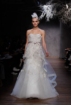 New-Monique-Lhuillier-Wedding-Dresses-016