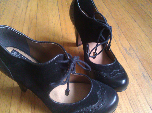 black-oxford-shoes