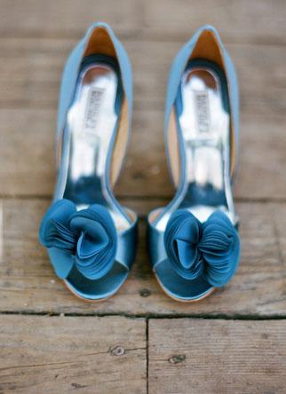 blue_badgleymischka_shoesday_ lane-dittoe-villa-wedding