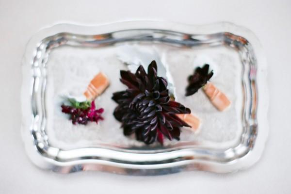 Flower Chic: Black Boutonnieres