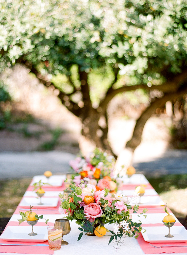 How To Arrange A Spring Centerpiece