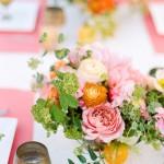 how-to-arrange-a-spring-centerpiece
