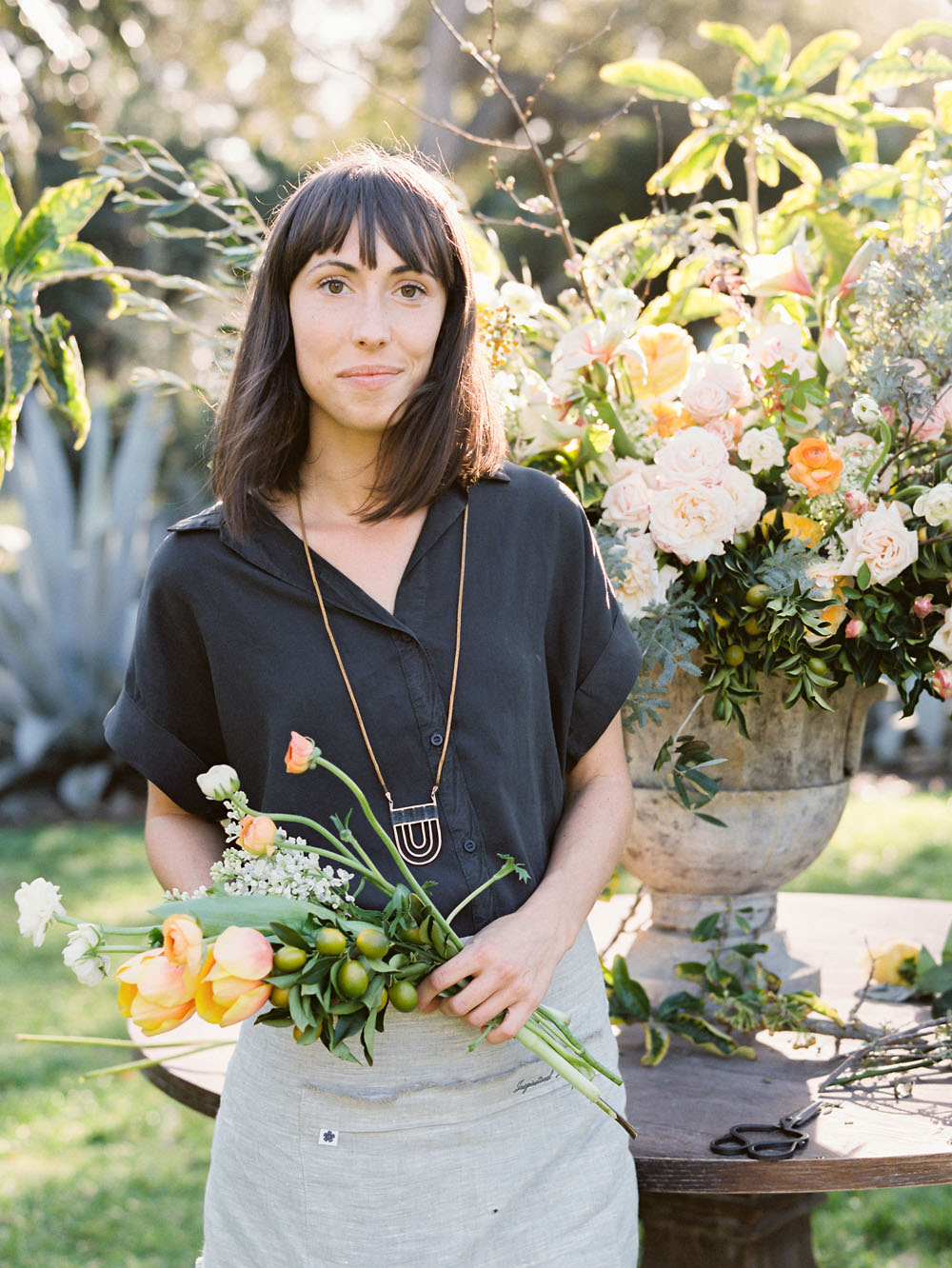 how to arrange flowers kelly oshiro