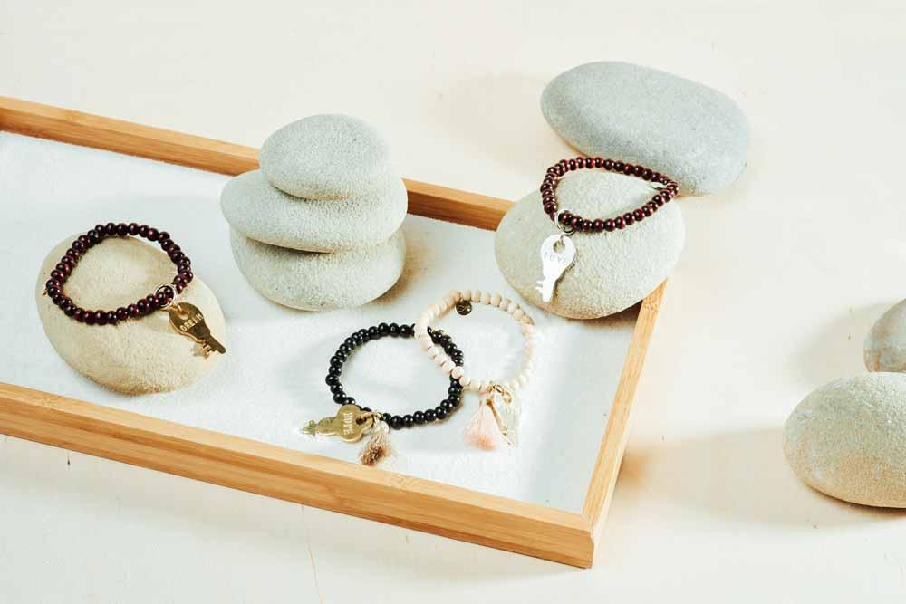 kellyoshiro.com | jewelry prop stylist los angeles | photo: Lydia Murty